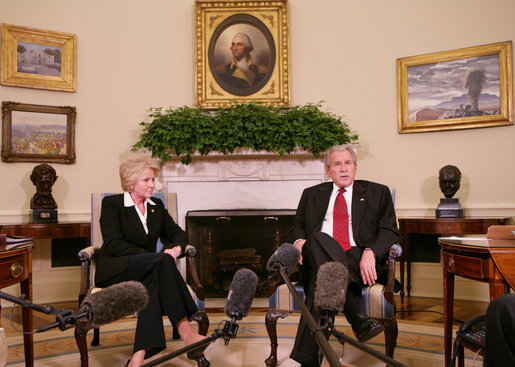 President George W. Bush speaks with members of the media in the Oval Office Thursday, Sept. 27, 2007, following his meeting with U.S. Transportation Secretary Mary Peters about air traveler complaints and air traffic congestion. President Bush said he wanted to make sure that airline consumers are being treated fairly and that their complaints are heard. White House photo by Chris Greenberg