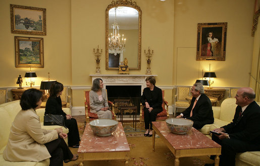 Mrs. Laura Bush hosts a coffee for Mrs. Hero Ibrahim Ahmed, wife of Iraqi President Jalal Talabani, Thursday, Oct. 4, 2007, in the private residence of the White House. White House photo by Shealah Craighead