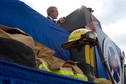 President Bush makes remarks during a ceremony at the National Fallen Firefighters Memorial in Emmitsburg, Md., Sunday, Oct. 7, 2007. White House photo by Chris Greenberg