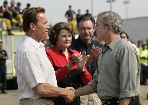 ¿Cuánto mide George Bush Jr.? - Altura - Real height Htjkq8x