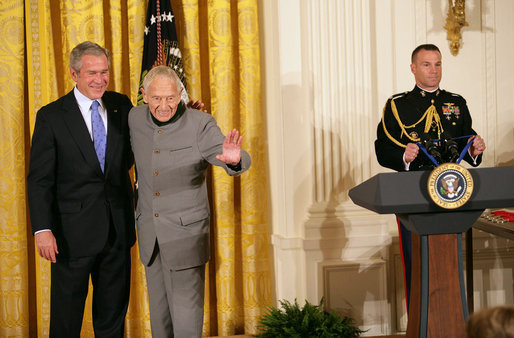 President George W. Bush presents the 2007 National Medal of the Arts to painter Andrew Wyeth Thursday, Nov. 15, 2007, in the East Room. White House photo by Eric Draper