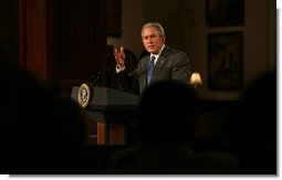 President George W. Bush speaks on the economy during a luncheon Monday, Jan. 7, 2008, with business and community leaders at the Union League Club of Chicago. White House photo by Joyce N. Boghosian