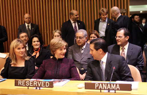 Mrs. Laura Bush speaks with Panama's President Martin Torrijos at the United Nations Thursday, Jan. 31, 2008, during a UN-UNICEF ceremony honoring Panamanian First Lady Mrs. Vivian Fernandez de Torrijos. Mrs. Bush congratulated President Torrijos on Panama taking the position as president of the UN Security Council and highlighted the importance of international action to support freedom in Burma. With them is Jenna Bush, daughter of President George W. Bush and Mrs. Bush. White House photo by Shealah Craighead