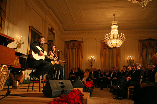 Performers Amy Grant and Vince Gill entertain guests at the State Dinner for the Nation's Governors hosted by President Bush and Laura Bush, Sunday, February 24, 2008 at the White House. White House photo by Joyce N. Boghosian