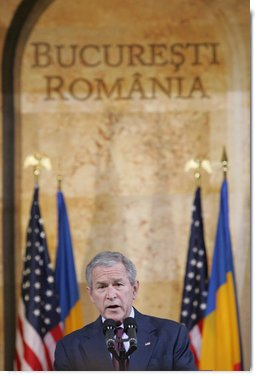 President George W. Bush delivers a keynote speech Tuesday, April 2, 2008, at the National Bank of Savings in Bucharest, site of the two-day NATO Summit. The President urged the NATO membership to be open to any European democracy that sought it.  White House photo by Chris Greenberg