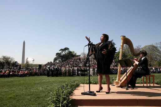 "Soprano Kathleen Battle sings ""The Lord's Prayer,"" Wednesday, April 16, 2008, during the arrival ceremony in honor of Pope Benedict XVI on the South Lawn of the White House. White House photo by David Bohrer"