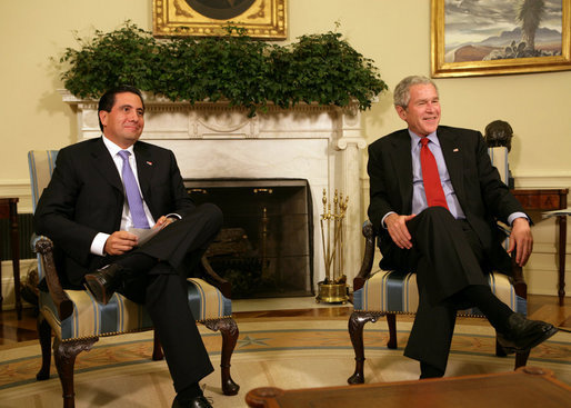 President George W. Bush meets with the President of Panama, Martin Torrijos, Monday, May 6, 2008, in the Oval Office at the White House. White House photo by Chris Greenberg