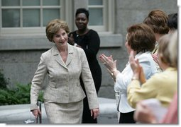 Mrs. Laura Bush is applauded following her address at a Smithsonian Institution luncheon Tuesday, May 27, 2008 in Washington, D.C., where Mrs. Bush was honored for her contributions to the arts in America. White House photo by Shealah Craighead