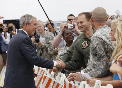 President George W. Bush meets with military personnel prior to departing the New Century Aircenter in Olathe, Ks., Thursday, May 29, 2008, for his trip back to Washington, D.C. White House photo by Eric Draper