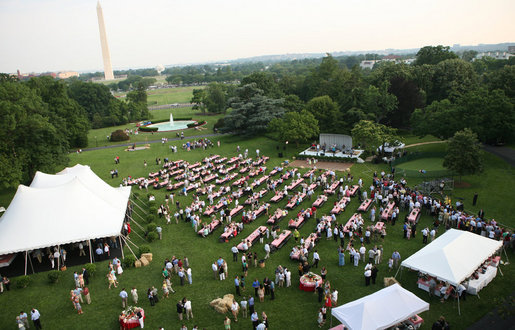 Picnic tables and tents cover the South Lawn of the White House for the annual Congressional Picnic Thursday evening, June 5, 2008, hosted for members of Congress and their families. White House photo by Grant Miller
