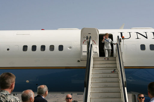 Mrs. Laura Bush waves as she arrives at Kabul International Airport, Sunday, June 8, 2008. Mrs. Bush traveled to Afghanistan to highlight the continued U.S. commitment to the country and its President Hamid Karzai. White House photo by Shealah Craighead