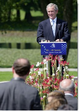 President George W. Bush delivers remarks during the United States -European Union Meeting Tuesday, June 10, 2008, at Brdo Castle in Kranj, Slovenia. White House photo by Chris Greenberg