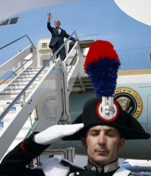 President George W. Bush waves from Air Force One as he arrives at Ciampino International Airport Wednesday, June 11, 2008, in Rome. White House photo by Eric Draper