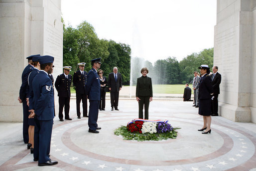 Mrs. Laura Bush pauses for a moment of silence after laying a wreath at the Lafayette Escadrille Memorial Wednesday, June 11, 2008, in Marnes la Coquette, France. White House photo by Shealah Craighead