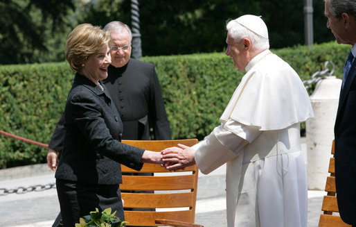 Mrs. Laura Bush meets with His Holiness Pope Benedict XVI, June 13, 2008, accompanied by President Bush. White House photo by Chris Greenberg