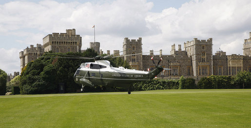 Marine One carrying President George W. Bush and Laura Bush lands at Windsor Castle Sunday, June 15, 2008 in Windsor, England, where President Bush and Mrs. Bush met with Queen Elizabeth II and the Duke of Edinburgh Prince Phillip. White House photo by Eric Draper
