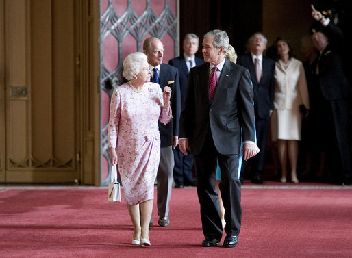 President George W. Bush and Laura Bush visit with Queen Elizabeth II and the Duke of Edinburgh Prince Phillip in St. George's Hall at WIndsor Castle in Windsor, England. White House photo by Eric Draper