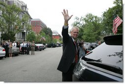 "Former White House Press Secretary Tony Snow waves goodbye Sept. 14, 2007, as he departs the White House on his final day at the office. The 53-year-old spokesman died early Saturday, July 12, 2008, of cancer. Said the President in a statement, ""The Snow family has lost a beloved husband and father. And America has lost a devoted public servant and a man of character."" White House photo by Chris Greenberg"