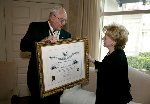 Mrs. Lynne Cheney is presented the National Society of the Sons of the American Revolution (NSSAR) Distinguished Patriot Award by Timothy R. Bennett, NSSAR Registrar General, Wednesday, July 30, 2008, at the Vice President's Residence at the Naval Observatory in Washington, D.C. White House photo by David Bohrer