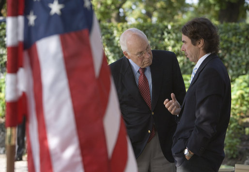 Vice President Dick Cheney talks with former President of Spain José Aznar Saturday, Sept. 6, 2008 during the Ambrosetti Forum at Lago di Como, Italy. The Ambrosetti Forum brings together prominent figures from public and private sectors for discussions on current world issues in global economics and security. White House photo by David Bohrer