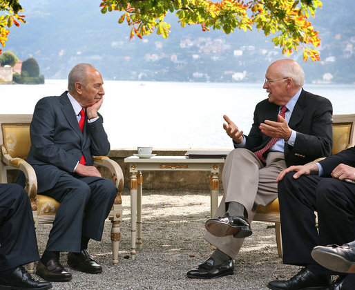 Vice President Dick Cheney meets with President Shimon Peres of Israel Saturday, Sept. 6, 2008 during the Ambrosetti Forum at Lago di Como, Italy. White House photo by David Bohrer