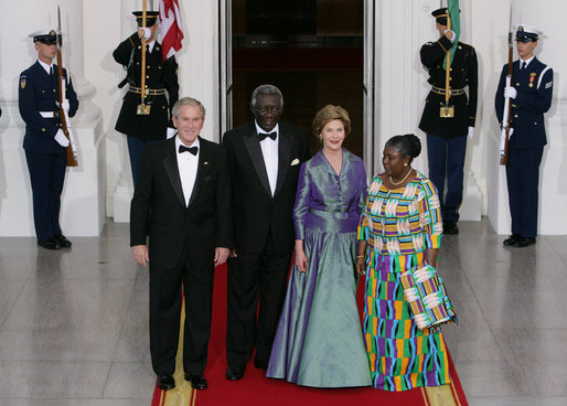 President George W. Bush and Mrs. Laura Bush welcome President John Agyekum Kufuor and Mrs. Theresa Kufuor of Ghana Monday, Sept. 15, 2008, upon their arrival to the North Portico of the White House for a State Dinner in their honor. White House photo by Chris Greenberg