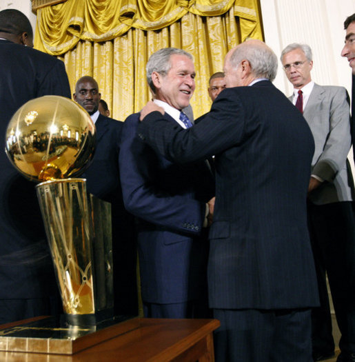 President George W. Bush shakes the hand of Bob Epstein, Managing Partner of the 2008 NBA Championship Boston Celtics Friday, Sept. 19, 2008, at the White House. The Celtics presented President Bush with a team jersey and autographed basketball during their visit. White House photo by Eric Draper