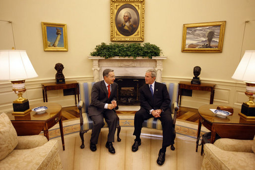 President George W. Bush meets with Colombian President Alvaro Uribe Saturday, Sept. 20, 2008, in the Oval Office of the White House. White House photo by Eric Draper