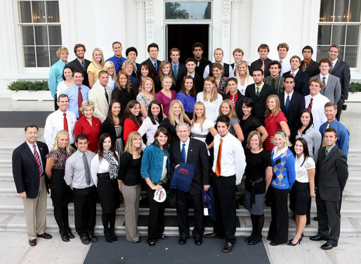 President George W. Bush poses with members of the University of Arizona Men's and Women's Swimming and Diving Team Wednesday, Nov. 12, 2008, during a photo opportunity with 2008 NCAA Sports Champions at the White House. White House photo by Chris Greenberg