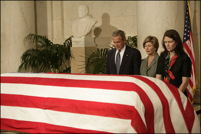 president bush essay Jeff shesol writes that the legacy of president george h w bush must include the fact that he failed to confront the right-wing of the republican party.