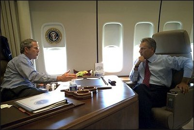 office air force 1. en route to michigan president bush and kwasniewski talk on air force one office 1