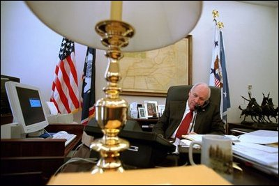 Vice President Dick Cheney discusses environmental issues with British ...